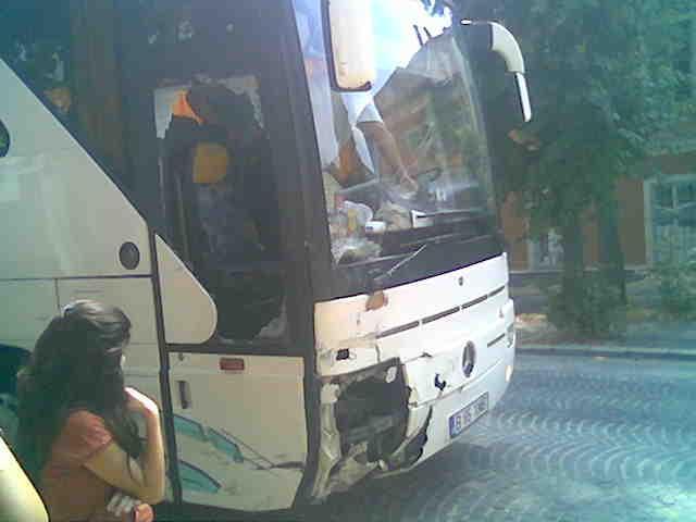 Autobuz-presa