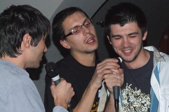 Nihasa Piticu Kaizer cantand