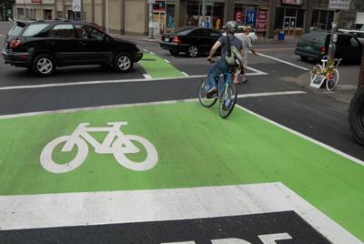 Bike box! O idee bună pentru Bucureşti