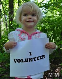 Pro sau contra: Voluntariatul este o modă