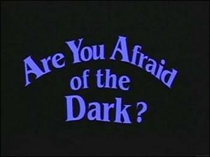 Mie încă mi-e frică de întuneric uneori...