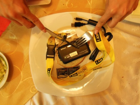 Să mâncăm nişte Nikon pe pâine...