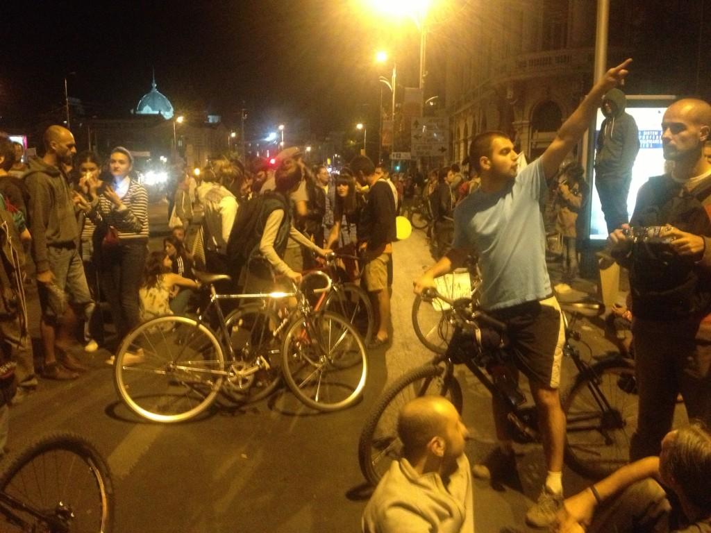 Dragii mei, bicicleta a devenit, cel puțin în București, simbol al revoluției!