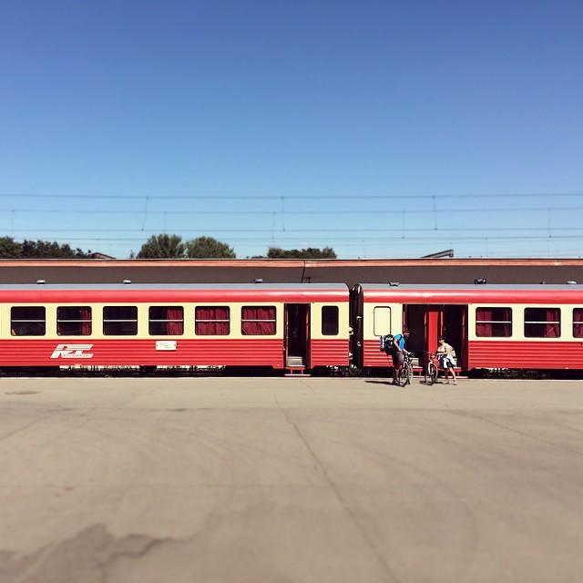 RegioTrans bate CFR-ul la fundul gol spre Brașov