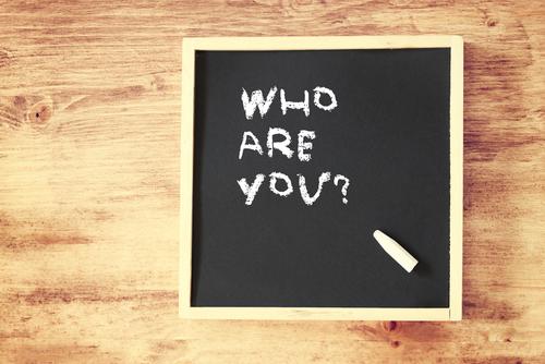 Tu cine ești? (nu e un text filosofic)