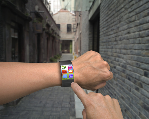 Cu smartwatch-ul la cinema