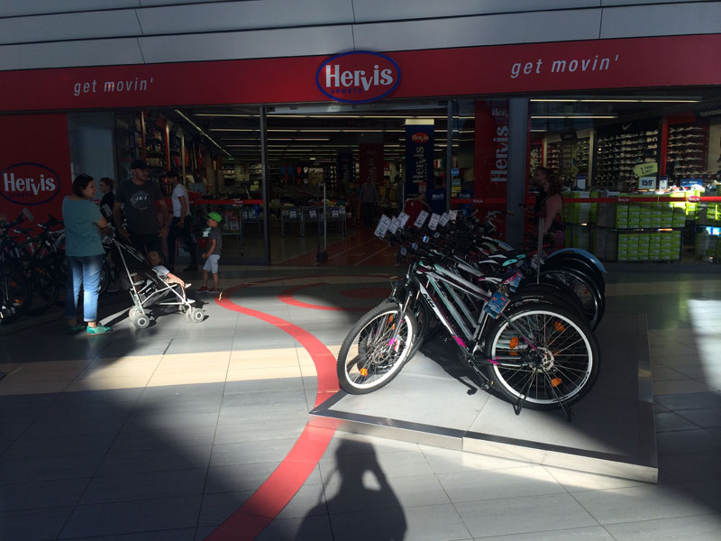 Care-i cel mai bike-friendly mall din București?