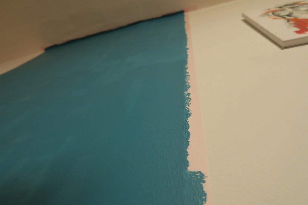 Mi-am transformat peretele în tablă de scris